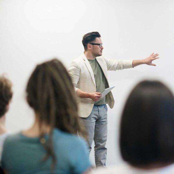 IELTS band 4-5 - Tiếng Anh cho học sinh, sinh viên, người đi làm - Tốc độ Thông thường - ANH NGỮ WS